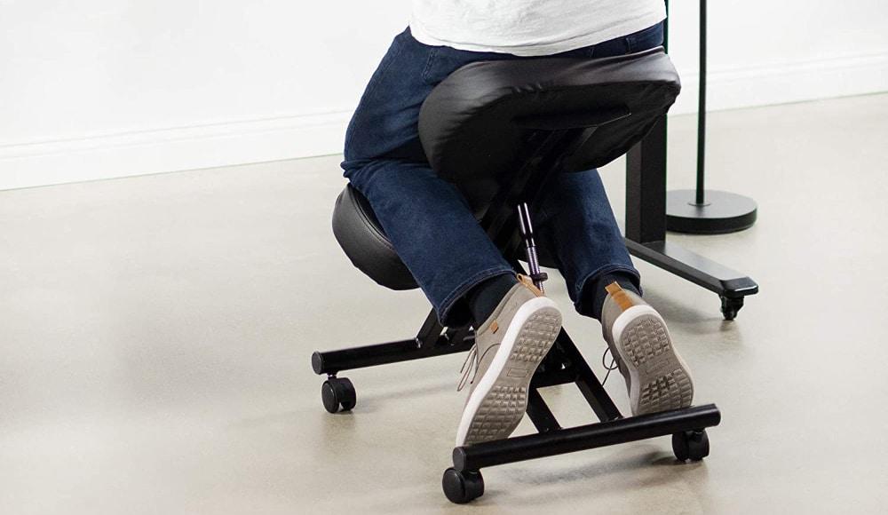 siège ergonomique assis genoux avis
